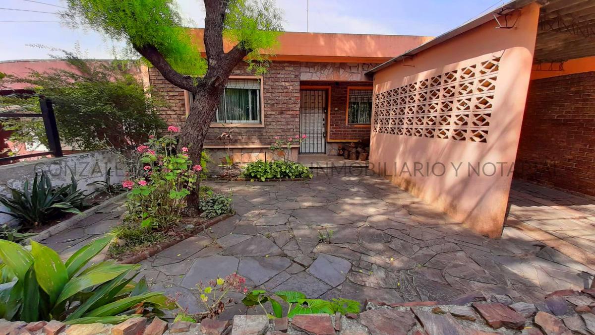 casa de 2 dormitorios con terreno en padrón único