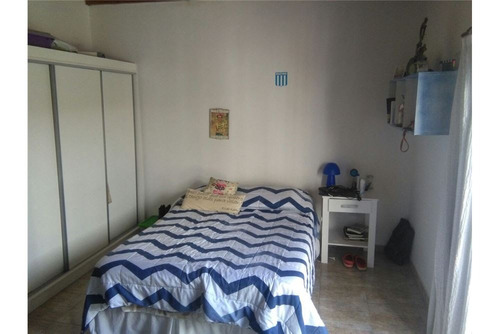 casa de 2 dormitorios en venta. tolosa, la plata.