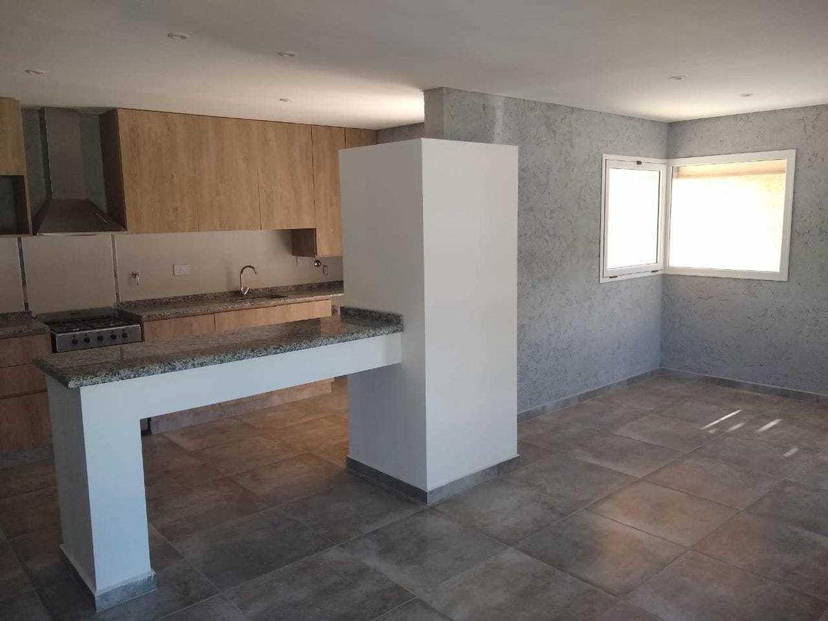 casa de 2 dormitorios en villa catalina (eco)