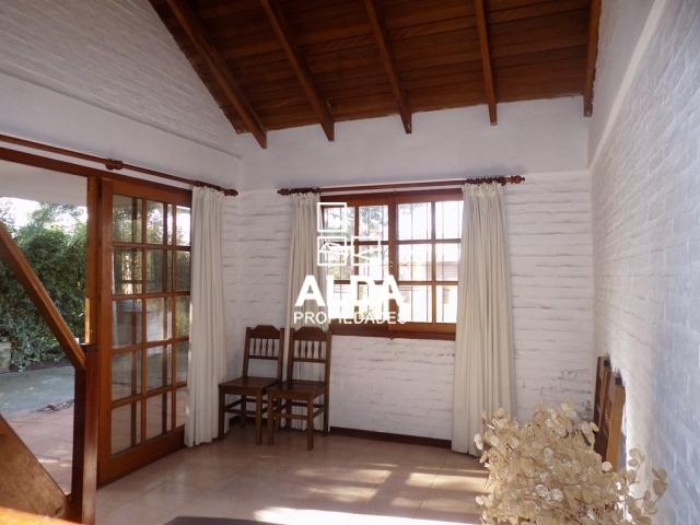 casa de 2 dormitorios y 2 baños a 400 mt de la playa.