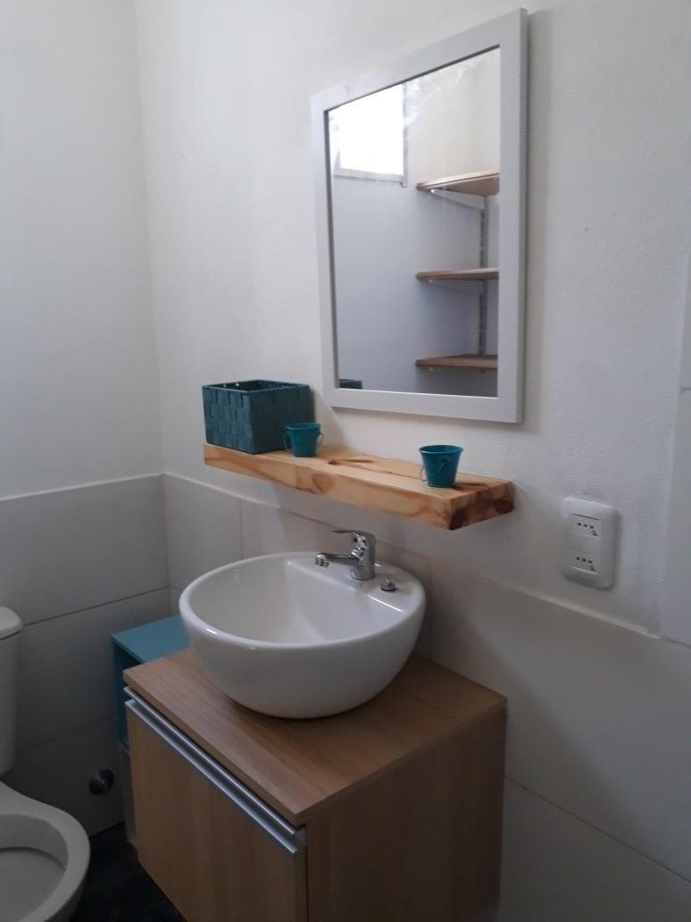 casa de 2 dormitorios y dos baños. para 6 personas.