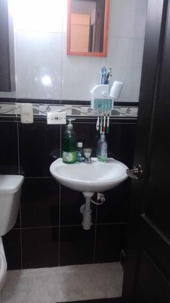 casa de 2 habitaciones y un baño