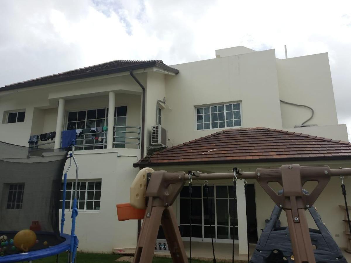 casa de 2 niveles en alquiler o venta en alameda