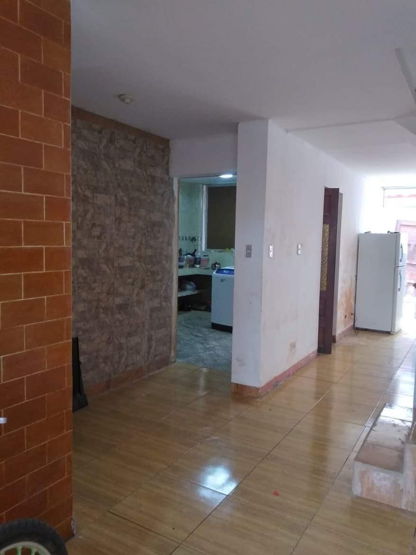 casa de 2 pisos 5 dormitorios