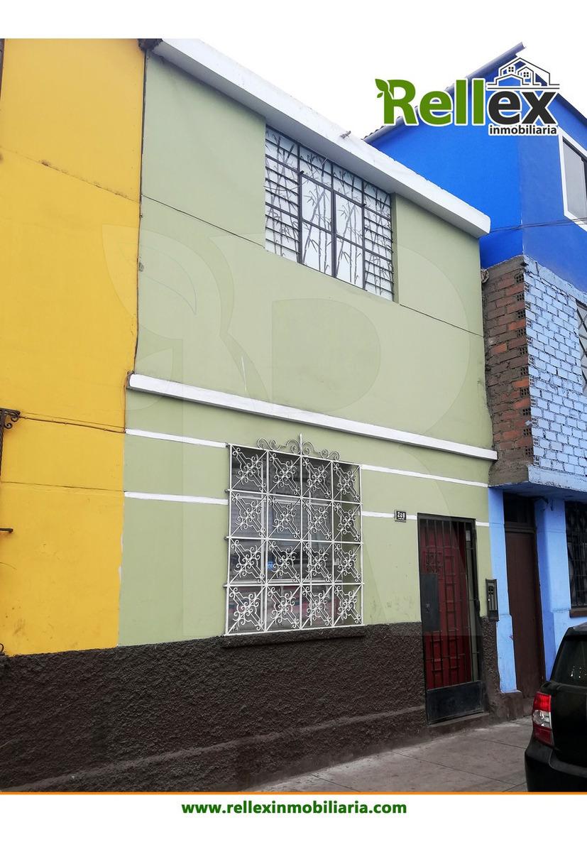 casa de 2 pisos a 1 cdra del hospital mogrovejo
