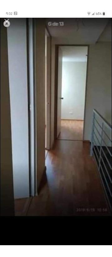 casa de 2 pisos con 3 dormitorios y 2 baños
