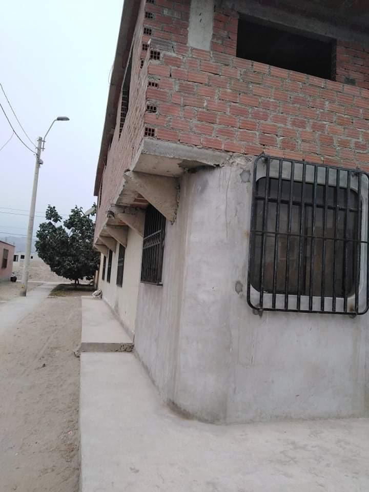 casa de 2 pisos construidos en la estancia de lurin