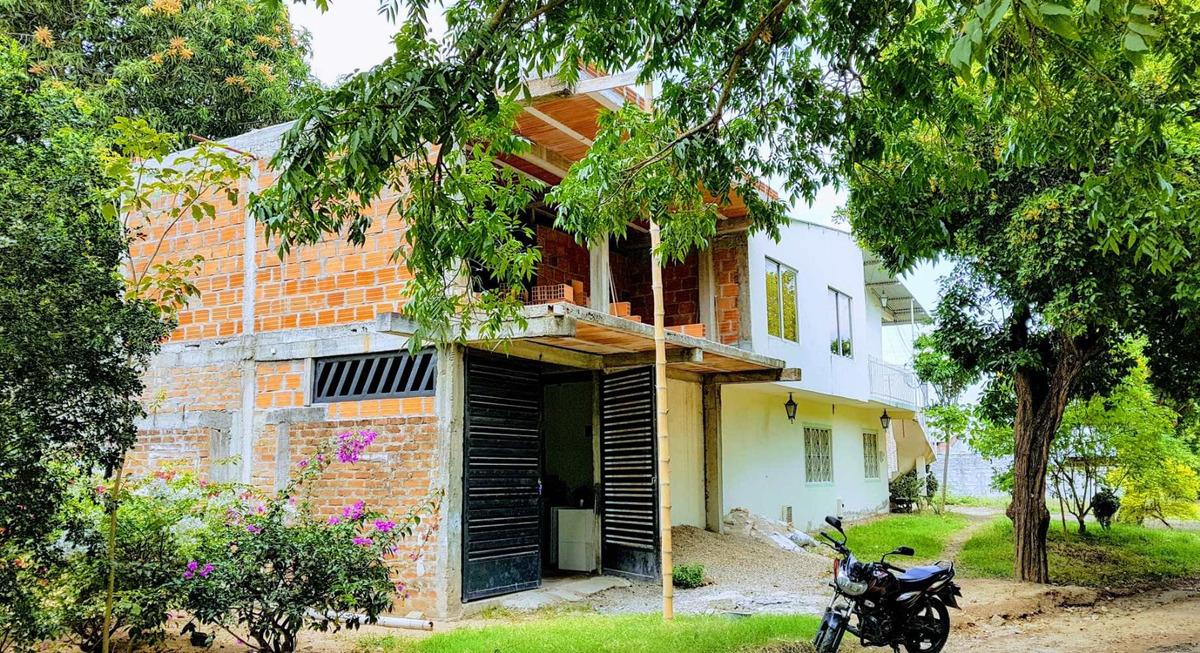 casa de 2 pisos esquinera en alvarado - tolima