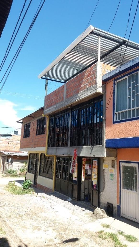 Casa De 2 Pisos Independientes Y Terraza