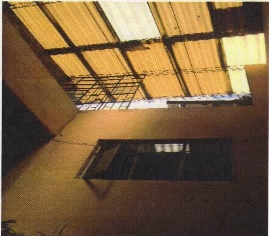 casa de 2 pisos y terraza