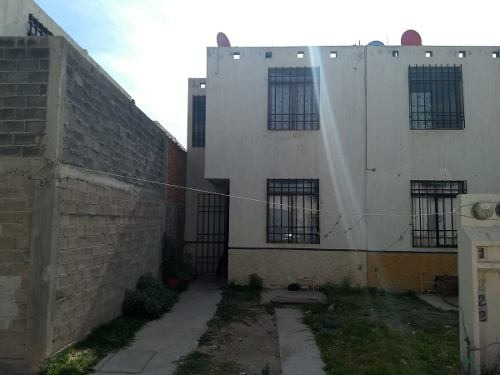 casa de 2 plantas 2 recamaras 1.5 baños por av. san pedro