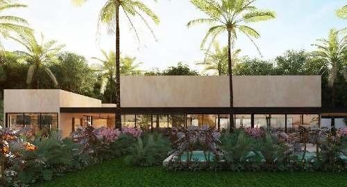 casa de 2 plantas, 3 recamaras, piscina, en privada con vigilancia a 8 minutos de plaza altabrisa.