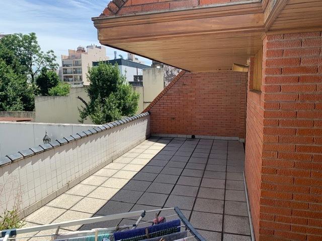 casa de 2 plantas 4 amb c/garage, jardin al fte.