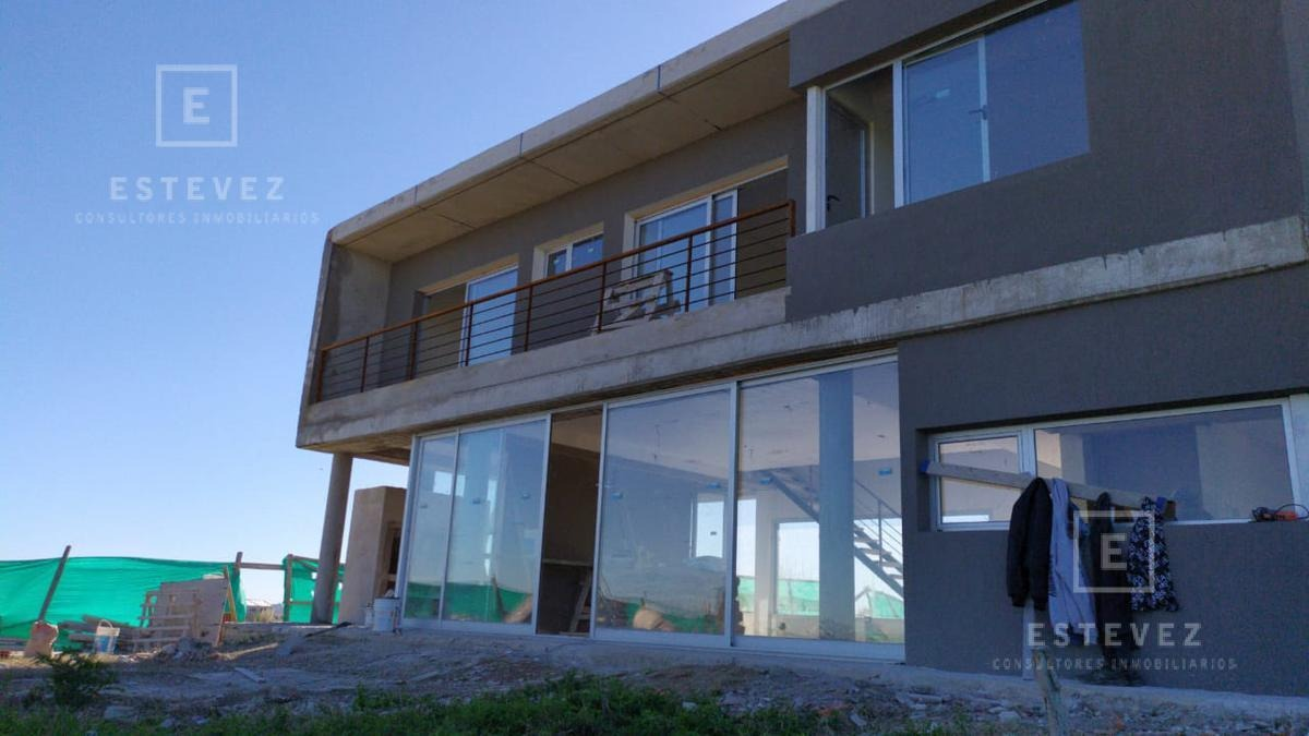 casa de 2 plantas a estrenar - barrio cerrado san sebastian