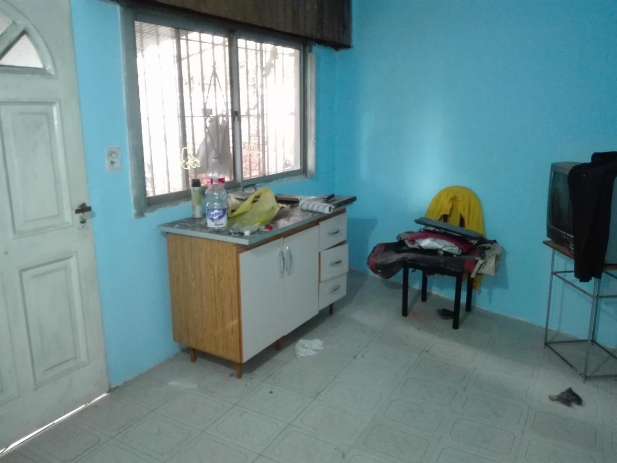 casa de 2 plantas con patio y terraza, sande 700, avellaneda