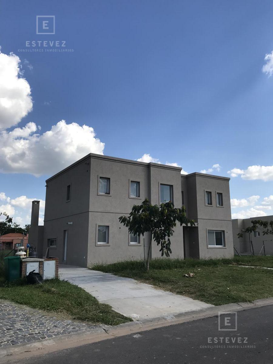 casa de 2 plantas en el area 4 de san matias escobar