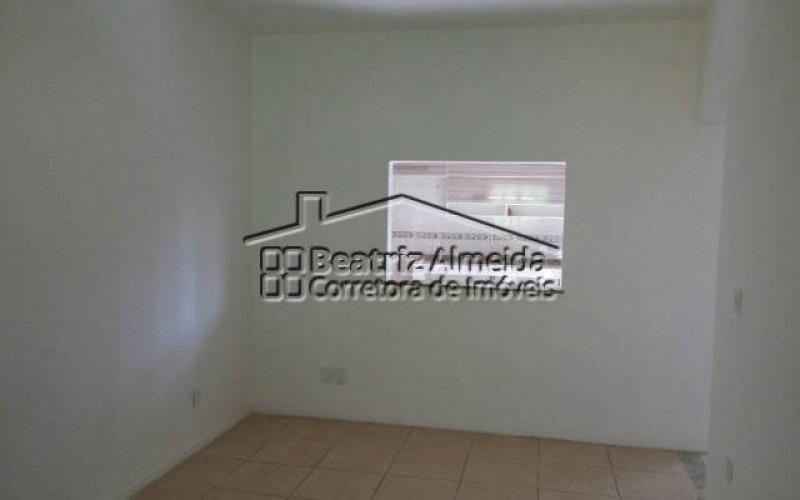 casa de 2 quartos com suíte em itaipuaçu marica rj