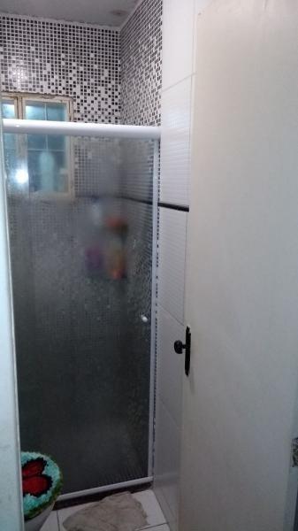 casa de 2 quartos dentro de condomínio com piscina. r$140.000 - ca00043 - 32958679