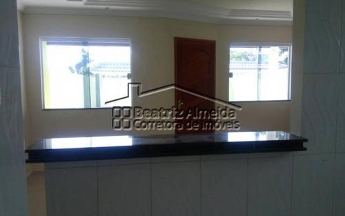 casa de 2 quartos sendo 1 suíte com fino acabamento em itaipuaçu