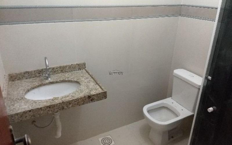 casa de 2 quartos sendo 1 suite em itaipuaçu marica rj