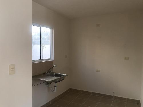 casa de 2 recamaras, 90 m2 de terreno, entrega inmediata