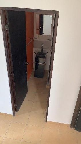 casa de 2 recamaras y un baño y medio