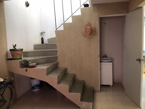 casa de 2 recamaras,1.5 baños,2 niveles