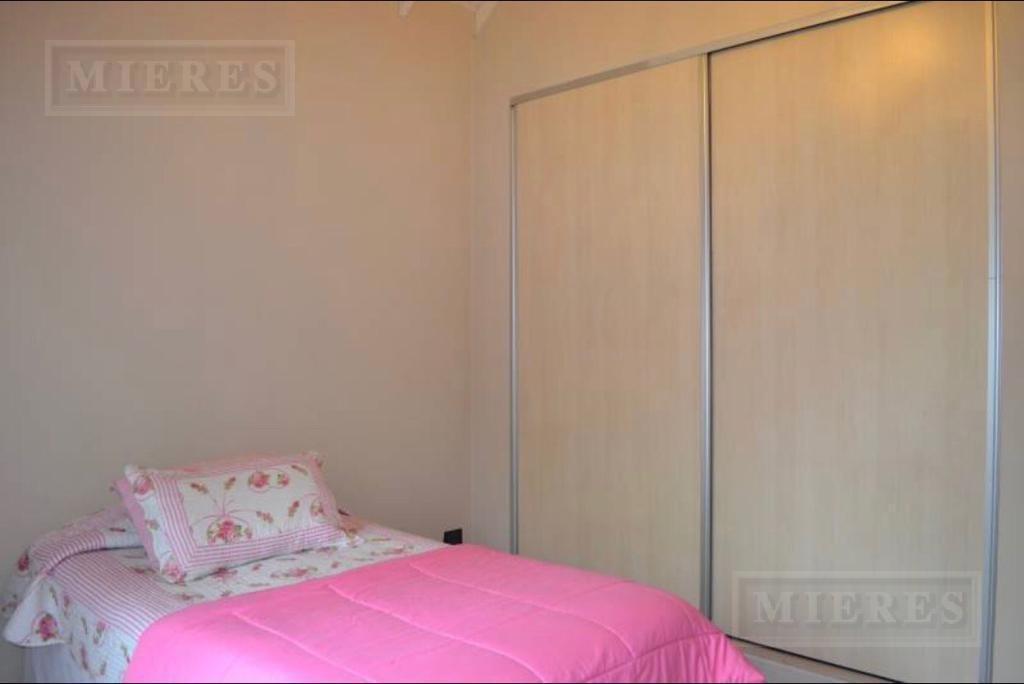 casa de  210 mts en villa rosa
