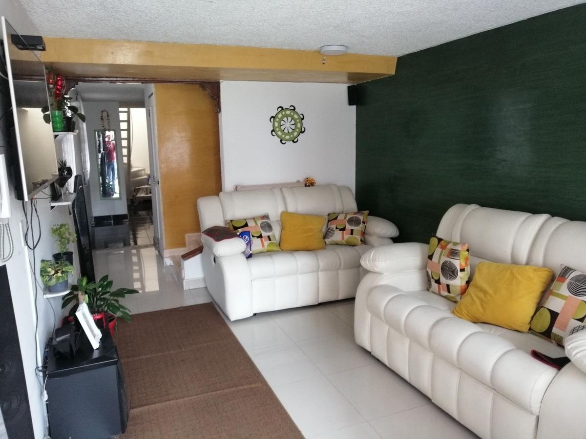 casa de 3 alcobas esq 2 baños conjunto ampliada remodelada