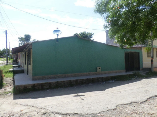 casa de 3 alcobas, sala comedor, garaje