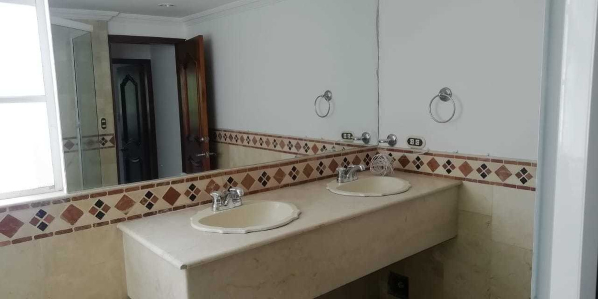 casa de 3 alcobas y 3 baños
