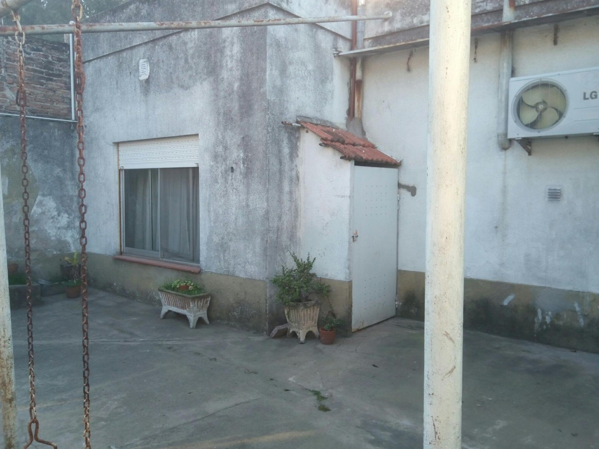 casa de 3 amb c/ cocheras y patio trasero