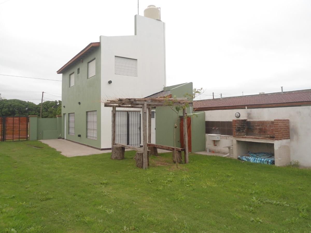 casa de 3 ambientes con 2 baños
