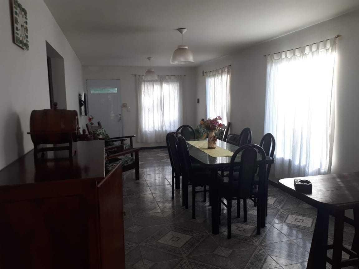 casa de 3 ambientes con 2 habitaciones