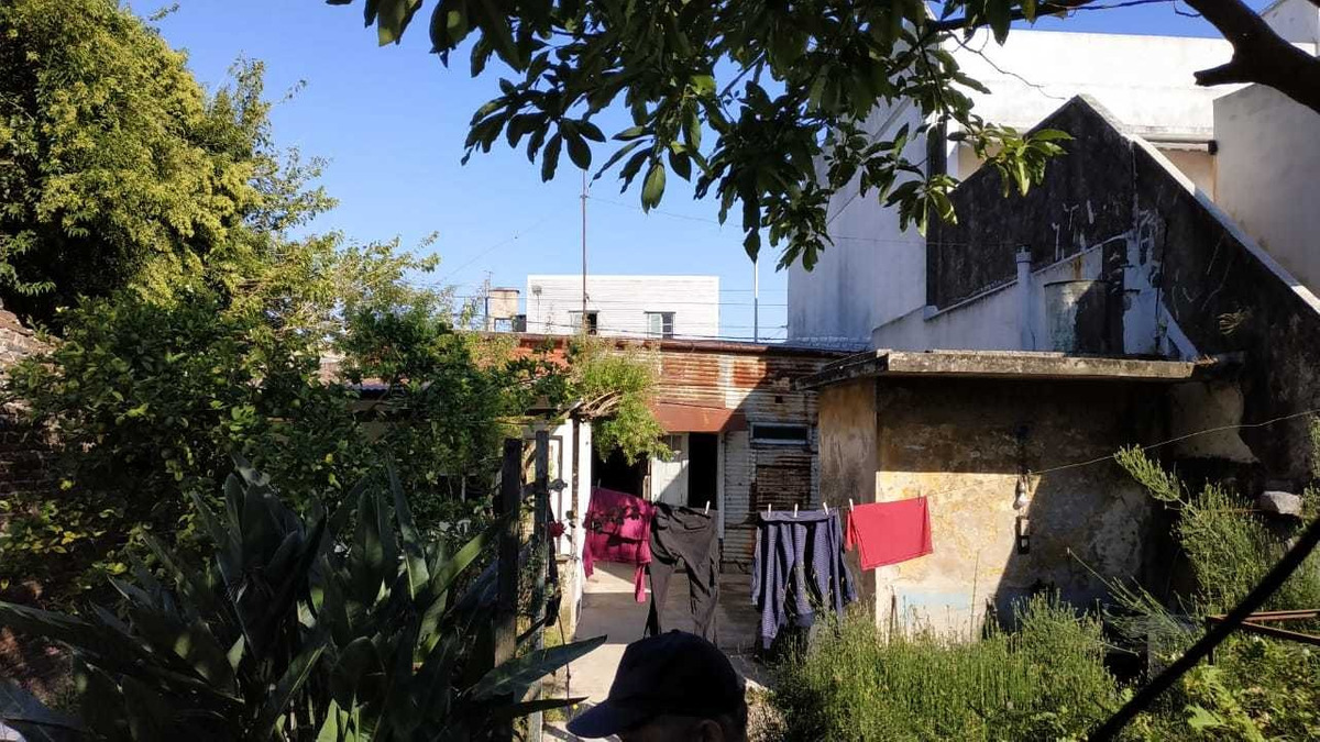 casa de 3 ambientes con patio - n. avellaneda 1200, dock sud
