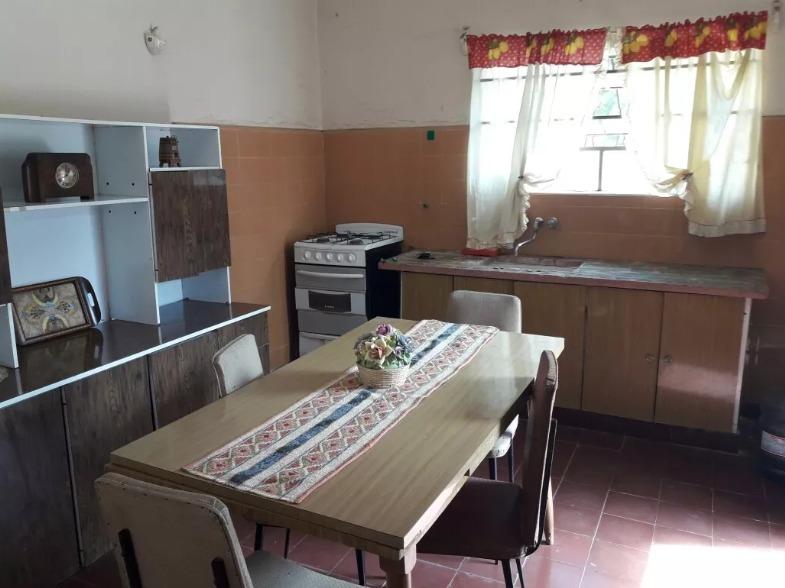 casa de 3 ambientes en lote propio de 331 m2