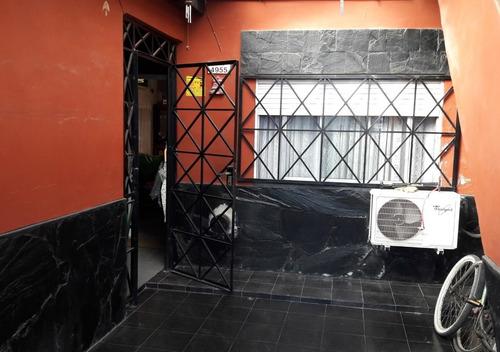casa de 3 ambientes en villa ballester