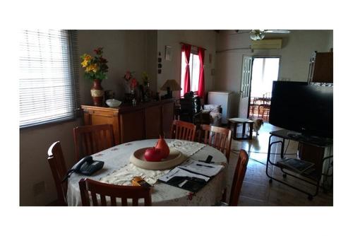 casa de 3 ambientes impecable