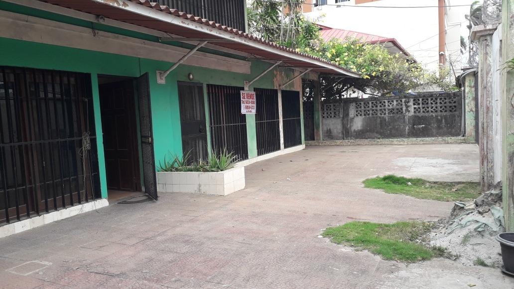 casa de 3 apartamentos individuales
