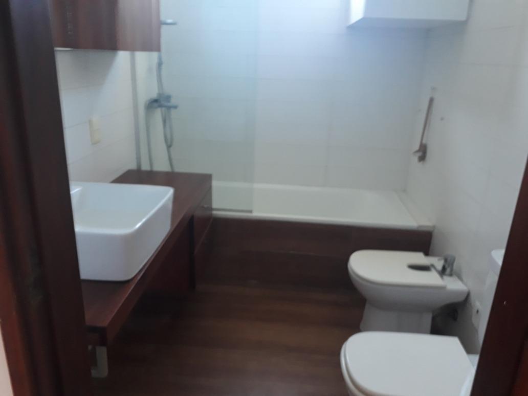 casa de 3 dorm y escritorio,2 baños,estar,gje, y fondo