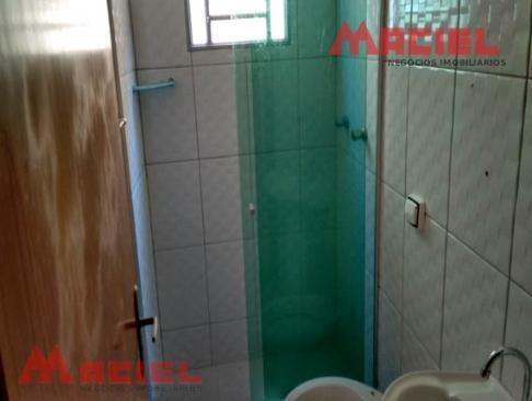 casa de 3 dormitórios 2 banheiros e duas vagas a venda