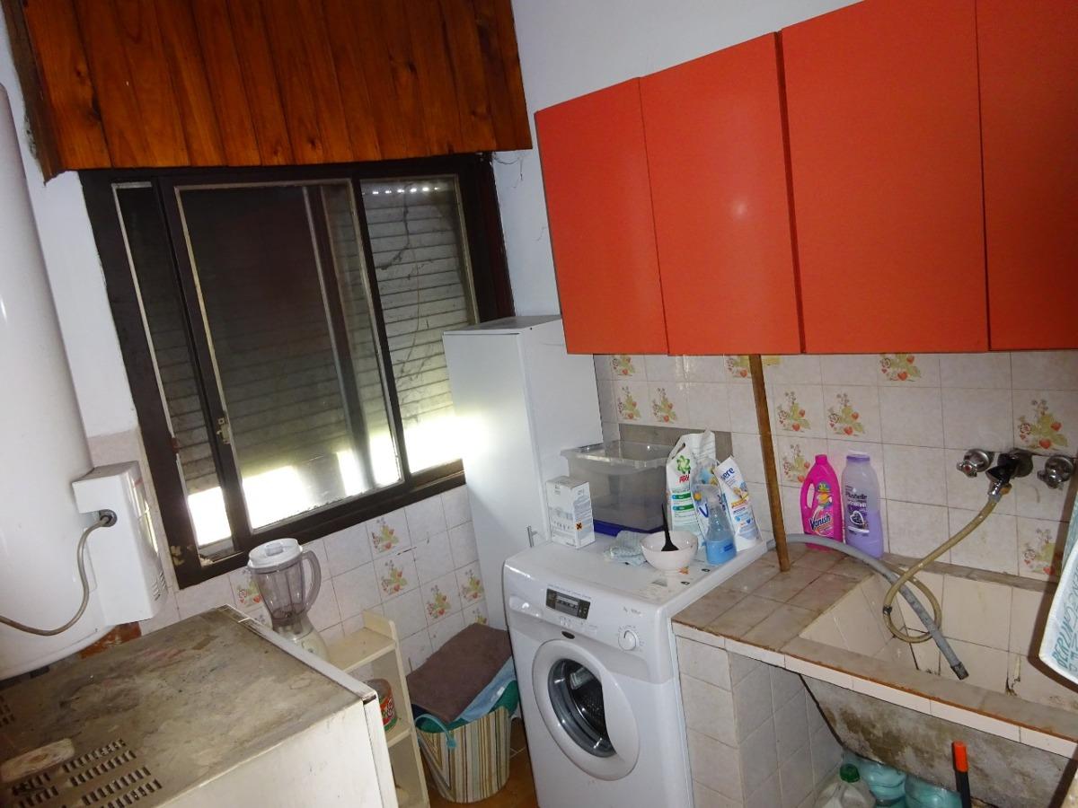 casa de 3 dormitorios, 2 baños, 2 cocheras   dueño directo