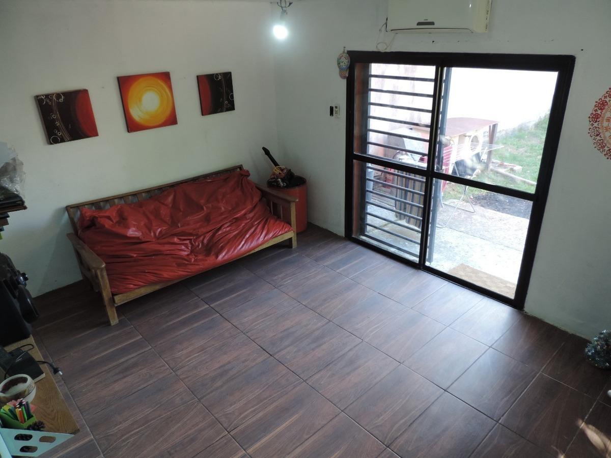 casa de 3 dormitorios con cochera en lisandro olmos