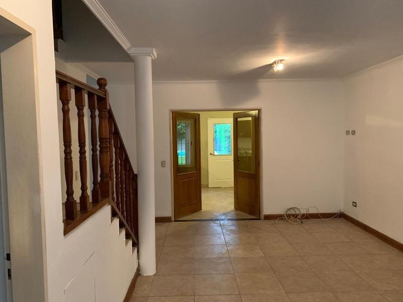 casa de 3 dormitorios con pileta y jardín