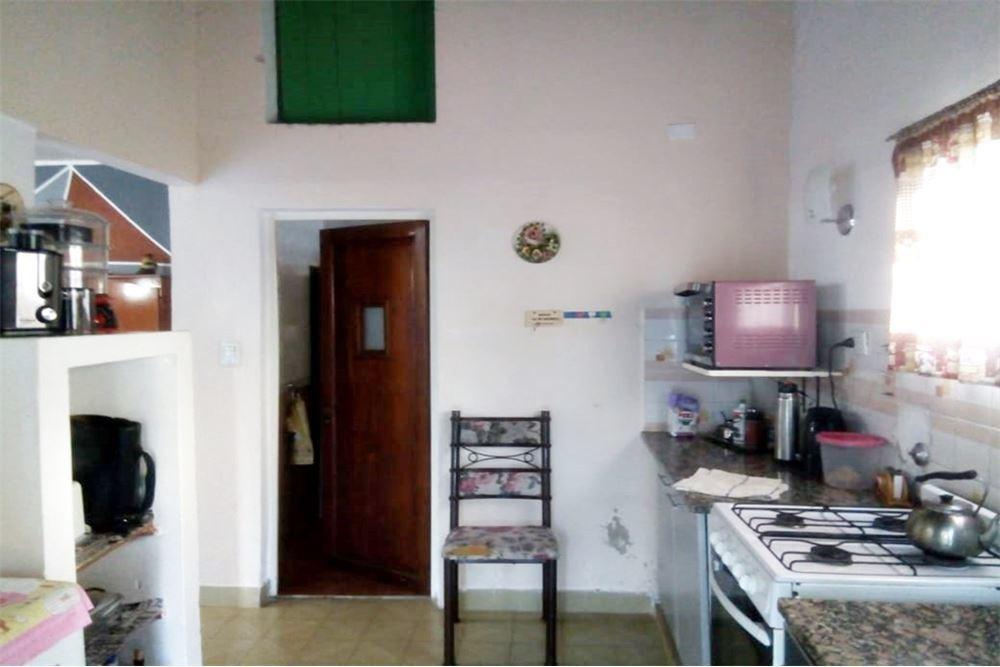 casa de 3 dormitorios con quincho y pileta