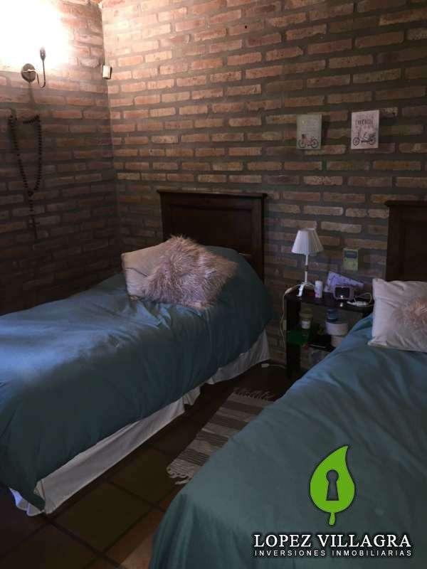 casa de 3 dormitorios, en b° arguello (la salle)