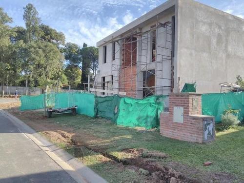 casa de 3 dormitorios en barrio cerrado alvear de benavidez