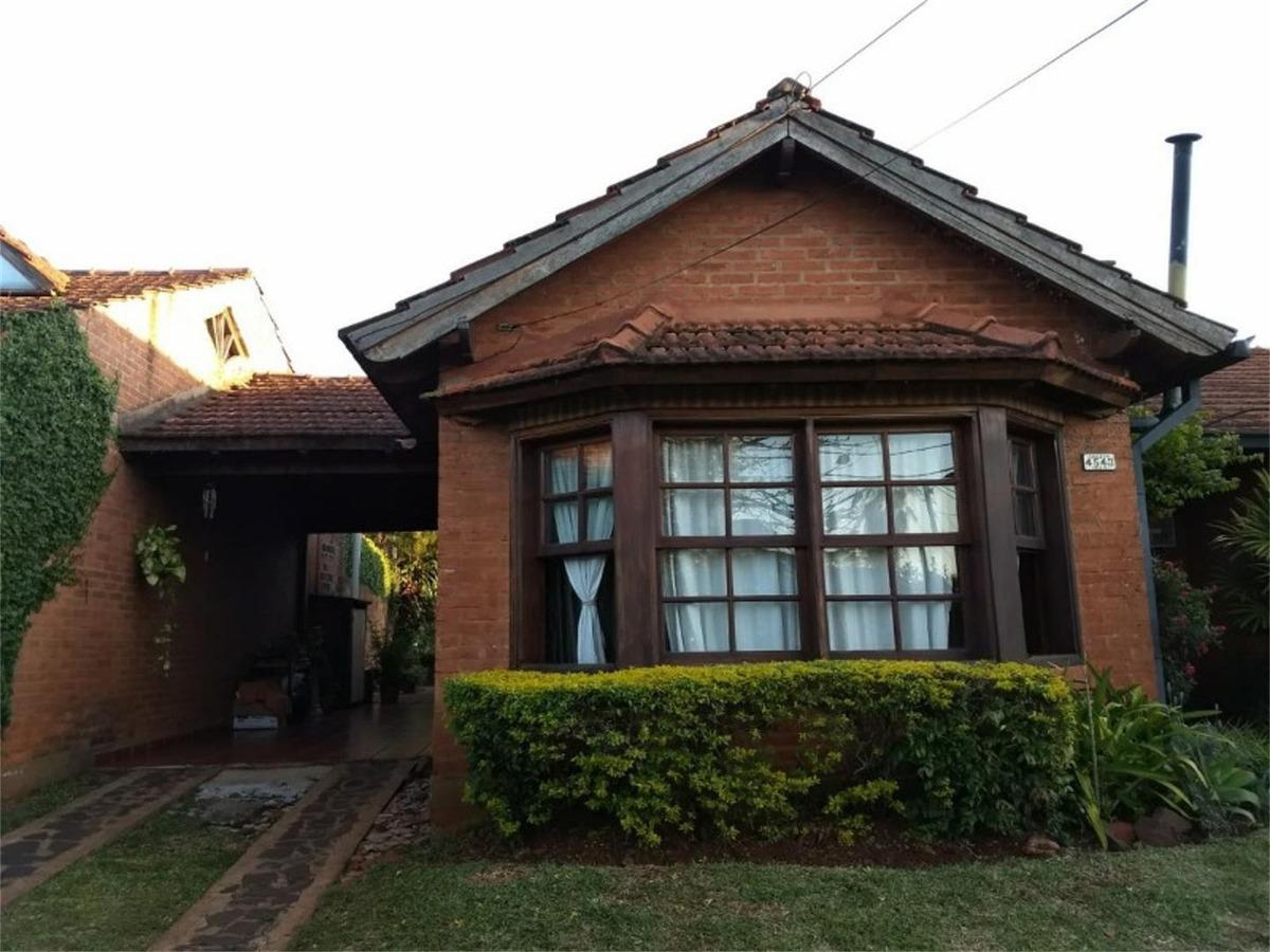 casa de 3 dormitorios en barrio las orquideas