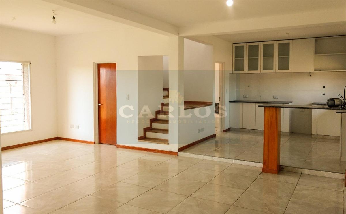 casa de 3 dormitorios en funes city - excelente estado