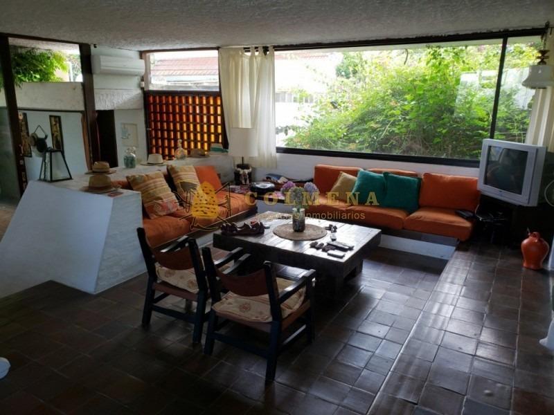 casa de 3 dormitorios en la mansa muy cerca de la playa. consulte!!!!!!1-ref:2155